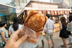 ขนมปลาไส้ทะลัก เมนูยอดฮิตจากญี่ปุ่น