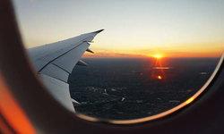 จองตั๋วเครื่องบิน ผ่านเอเจนซี่กับจองด้วยตัวเอง แบบไหนดีกว่ากัน?