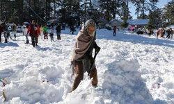 เมืองศรีนาการ์ ประเทศอินเดีย อุณหภูมิ -8 องศา ทำสถิติหนาวสุดในรอบ 25 ปี!