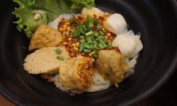 ยู้ ลูกชิ้นปลาเยาวราช ต้นตำรับความอร่อยที่ต้องใช้ปลาในการทำถึง 5,000 กิโลต่อวัน!