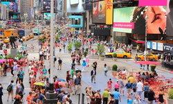 ท่องเที่ยว New York คืนชีพ นักท่องเที่ยวเดินเล่นย่าน Time Square โดยไม่ต้องใส่แมสก์