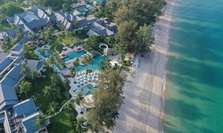 โรงแรมและรีสอร์ทระดับโลกในภูเก็ต เตรียมรับนักท่องเที่ยวต่างชาติกลับมา ด้วยแพ็คเกจสุดพิเศษ!