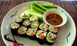 """เคยกินกันไหม? """"ซูชิน้ำพริกกะปิปลาทู"""" เมนูสุดครีเอทจากร้านครัวเย็นอากาศ!!"""