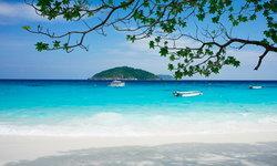 10 หาดสวย ทะเลใส ในไทย ดังไปไกลระดับโลก !