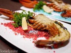 บุฟเฟต์มื้อค่ำสำหรับ Lobster Lover ณ โรงแรมโนโวเทล เพลินจิต