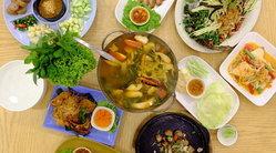 """""""ตำ ณ ดาว"""" อร่อยแบบครบรส ไทย-อีสาน-เวียดนาม+ของหวานอร่อยน้ำตาไหล (^0^)/ ปุ๋ย (@palouis)"""