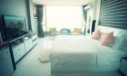 """10 ที่พักนอนชิลล์ วิวสวย ติดทะเล """"บางแสน"""" หาดใกล้กรุง"""