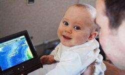 วิธีรับมือเด็กป่วนบนเครื่องบิน