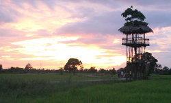 สุดฟินชมแสงอาทิตย์ลับขอบฟ้าบนหอคอยชมวิว 360 กลางทุ่งนา บ้านแพะ ราชบุรี
