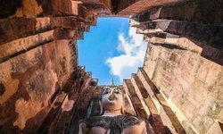 """""""วัดศรีชุม"""" แหล่งท่องเที่ยวประวัติศาสตร์ที่มีมุมถ่ายรูปสวยที่สุดแห่งหนึ่งในสุโขทัย"""
