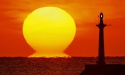 """""""พระอาทิตย์ดารุมะ"""" ความงามของธรรมชาติที่หาดูได้แค่ช่วงหน้าหนาวเท่านั้น"""