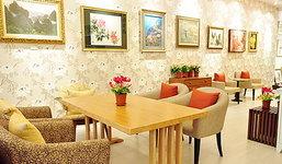 Peony House Teafe' & Gallery