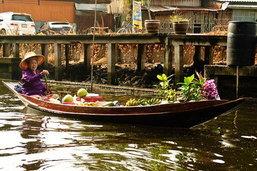 ชม ชิม ชอป ตลาดน้ำเหล่าตั๊กลั๊ก ราชบุรี