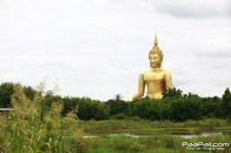 เที่ยววัดม่วง สักการะพระพุทธรูปใหญ่ที่สุดในโลก แวะชิมของหวานร้านดัง เมืองอ่างทอง