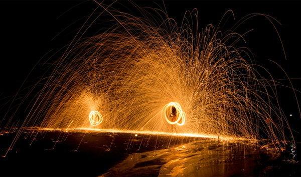 ควงกระบองไฟ เกาะเสม็ด