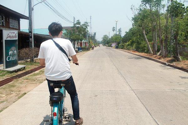 ขี่จักยานไป-กลับ สะพานมอญ
