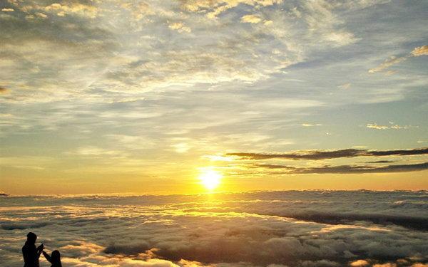 พระอาทิตย์ขึ้นที่ภูทับเบิก