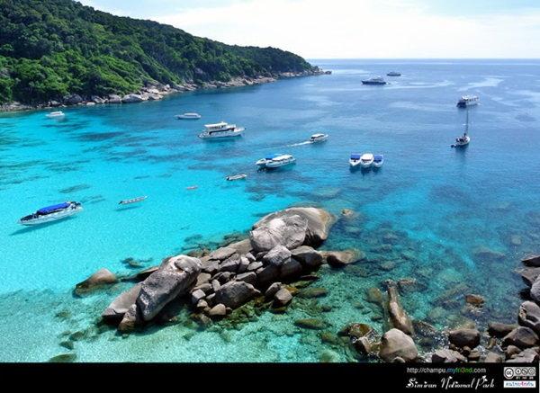 หมู่เกาะสิมิลัน ทะเลน้ำใส