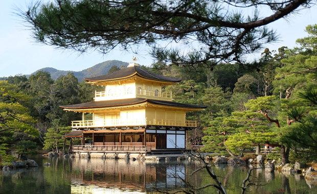 ปราสาททอง วัดในการ์ตูนอิคคิวซัง