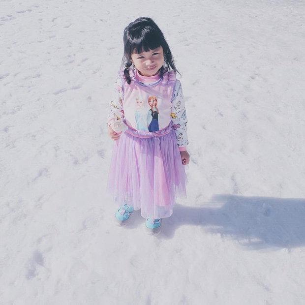 เอลซ่าน้อย เล่นหิมะ