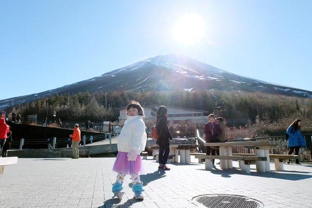 น้องเตตัส กับ วิวยอดเขาภูเขาไปฟูจิ (Fuji)