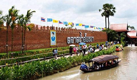ตลาดน้ำอโยธยา เที่ยว ชม ชิม ชอป ตลอดทริป