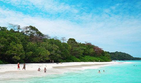 เกาะตาชัย หาดสวย ฟ้าใส เกาะสวรรค์ทะเลอันดามัน
