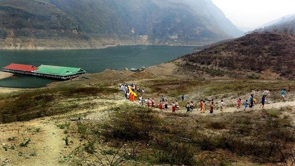 สรงน้ำพระธาตุเมืองสร้อย เมืองร้างใต้บาดาลทะเลสาบแม่ปิง