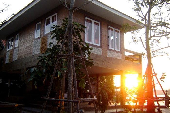 บ้านอิ่มอุ่น ที่พักอัมพวา
