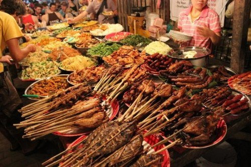 เที่ยวตลาดลาว กลางคืน กับ 3 ตลาดชื่อดังแห่งเวียงจันทน์