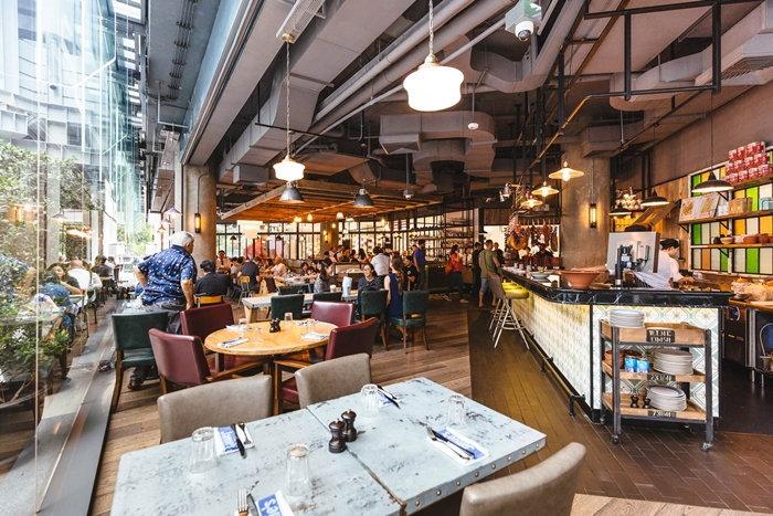 เปิดแล้ว! ร้านของ Jamie Oliver เชฟชื่อดังระดับโลกที่หลายคนคุ้นเคยในทีวี