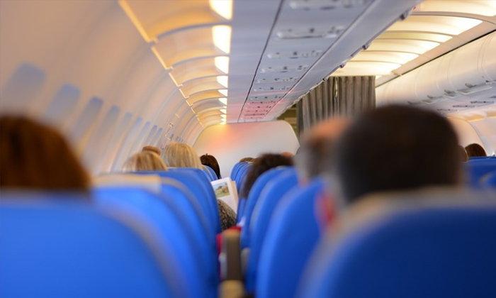 """9 วิธี ช่วยให้ """"หลับสบาย"""" บนเครื่องบิน"""