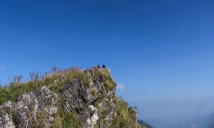 พาเที่ยวหมู่บ้านมณีพฤกษ์มรดกแห่งขุนเขา ชิมกาแฟเกอิชาและลมหนาวแรกของปีบนดอยผาผึ้ง