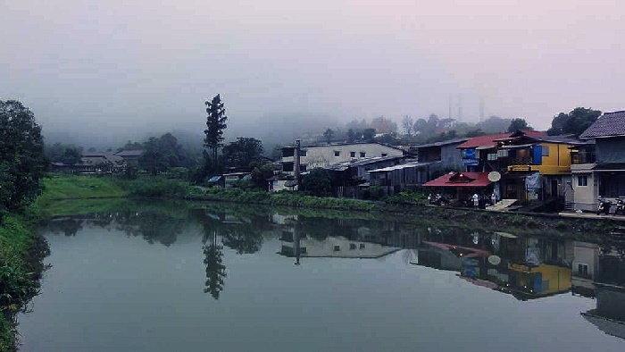 หมู่บ้านกลางสายหมอก