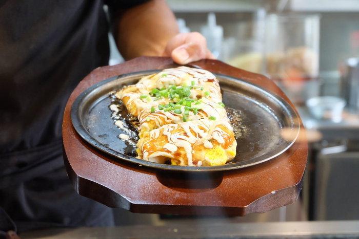"""มาถึงไทยแล้ว! ต้นตำรับแท้กว่า 70 ปีโอโคโนมิยากิ ร้าน""""BOTEJYU"""" (โบเทจู)   Eater ปุ๋ย (@palouis)"""