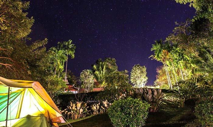 Mida กาญจนบุรี นอนเต๊นท์ติดแอร์ริมแม่น้ำ ชมดาวสุดอลังการยามค่ำคืน