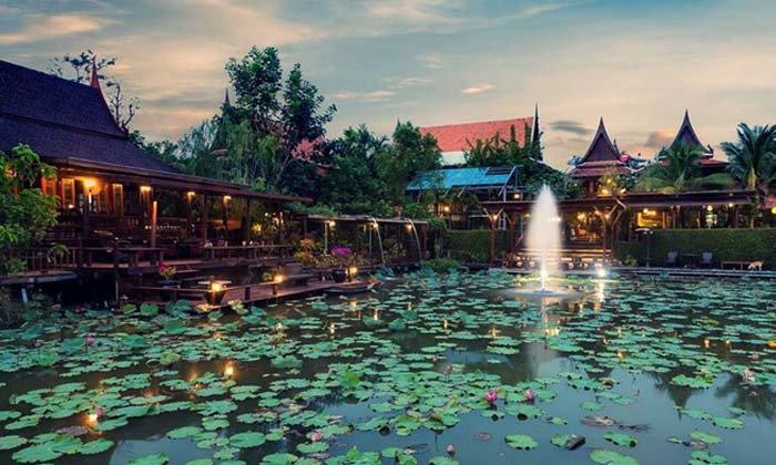 โลเคชั่นถ่ายรูปแห่งใหม่ Cafe Retreat คาเฟ่ย้อนยุคบนเรือนไทยในสไตล์บุพเพสันนิวาส