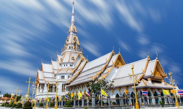พาพ่อแม่เที่ยว ไหว้พระ 9 วัดศักดิ์สิทธิ์ ในไทย อิ่มใจ ได้บุญ