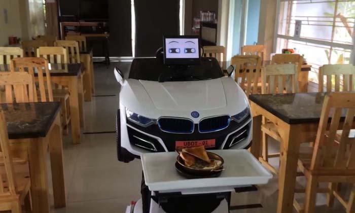 ร้านก๋วยจั๊บเชียงใหม่สุดไฮเทค! ใช้หุ่นยนต์ในการเสิร์ฟอาหารหนึ่งเดียวในประเทศไทย