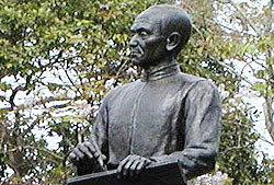 26 มิถุนายน 2546 : 217 ปี สุนทรภู่ กวีเอกของไทย