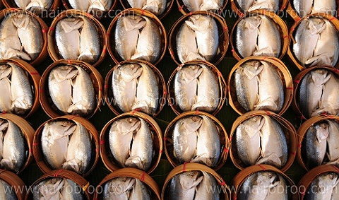 อร่อยจุใจ...ในงานเทศกาลกินปลาทูแม่กลอง