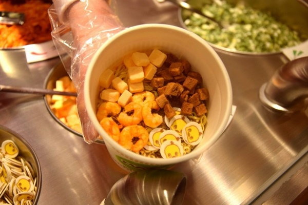ไปทำคัพนู้ดเดิ้ลถ้วยเดียวในโลก ที่โอซาก้า (พิพิธภัณฑ์บะหมี่กึ่งสำเร็จรูป)