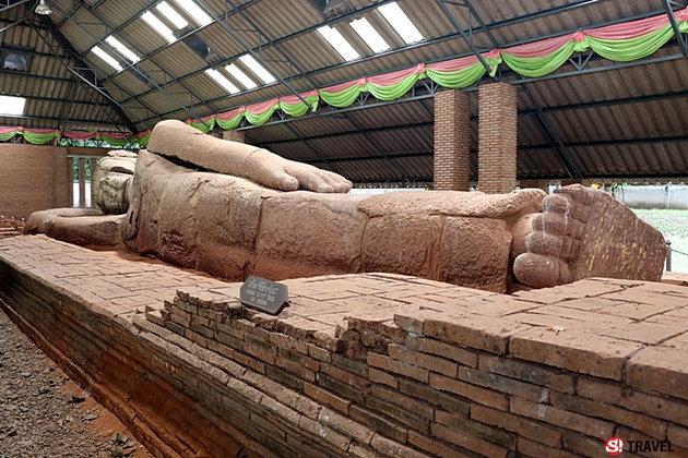 """เที่ยว...โคราช แวะกราบ """"พระพุทธรูปไสยาสน์"""" (พระนอน) เก่าแก่ที่สุดในประเทศ"""