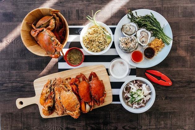 ฉลองสิ้นปีนี้ไปพร้อมกับ 4 ร้านปูตัวโตกับอาหารทะเลที่มีบริการส่งตรงถึงบ้าน