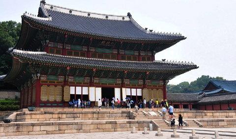 เกาหลี พาทัวร์ 'ชม-ช็อป-ชิม'  กับ 'แบล็คแจ็ค'
