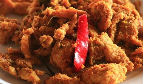 ข้าวแกงปักษ์ใต้เจ๊ตา จ. ปราจีนบุรี แค่เห็นก็หิวแล้ว!