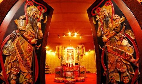 ไหว้เจ้า 9 ศาล เทศกาลกินเจสมุทรสาคร ปี 2556