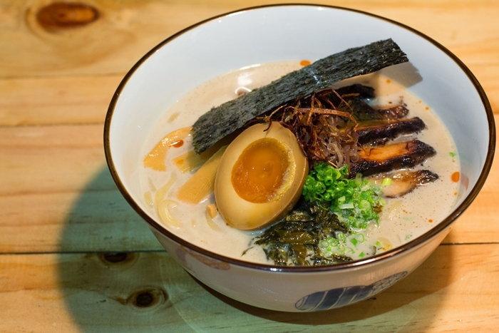 JUBEI IZAKAYA ร้านอาหารกึ่งบาร์สไตล์ญี่ปุ่นที่มีไอดอลเป็นซามูไร