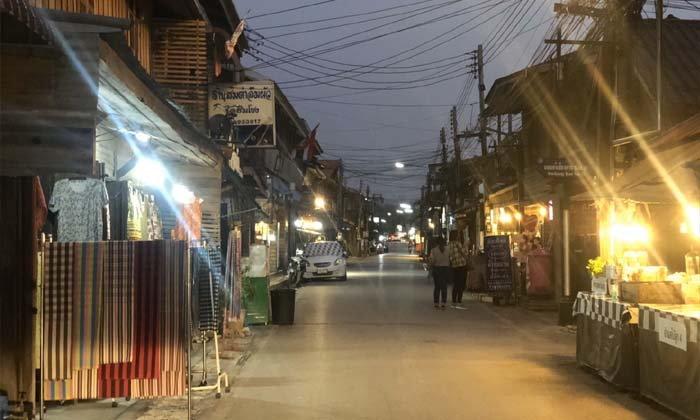 ผลกระทบโควิด-19 ถนนคนเดินเชียงคานร้างเงียบสงัด