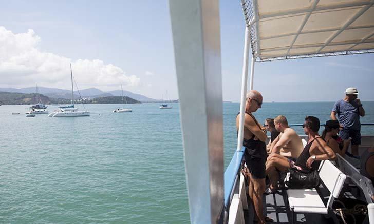 เรือเฟอร์รี่เกาะพะงัน ให้ลูกค้าสามารถเลื่อนตั๋วเดินทางได้ 1 ปี ไม่เสียค่าใช้จ่าย